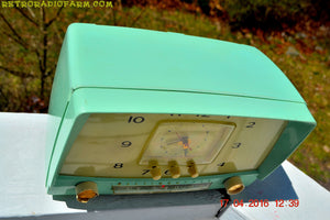 MINT GREEN Retro Mid Century 1955 Westinghouse Model H-548T5 AM Tube Radio Alarm Clock Totally Restored! , Vintage Radio - Westinghouse, Retro Radio Farm  - 11