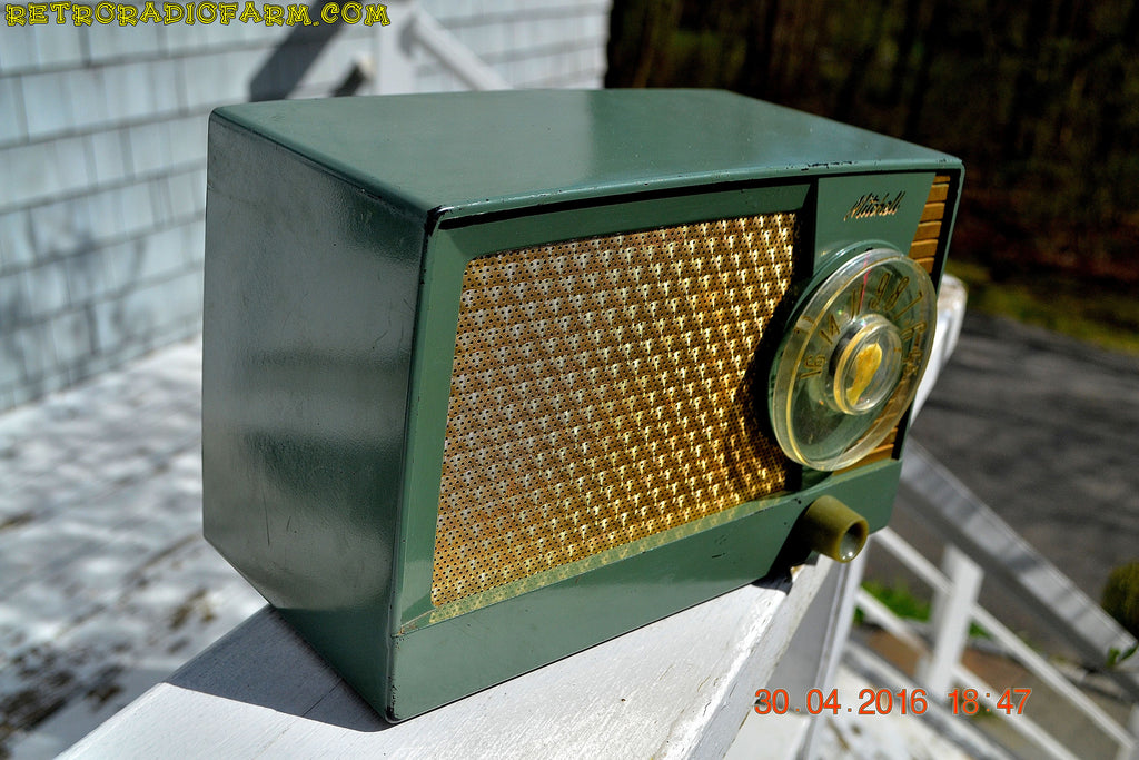 OLIVE GREEN Mid Century Retro Antique 1959 Mitchell Fiesta Model 1305 Tube AM Radio Works Great! , Vintage Radio - Mitchell, Retro Radio Farm  - 1