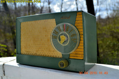 OLIVE GREEN Mid Century Retro Antique 1959 Mitchell Fiesta Model 1305 Tube AM Radio Works Great! , Vintage Radio - Mitchell, Retro Radio Farm  - 6