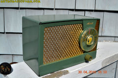 OLIVE GREEN Mid Century Retro Antique 1959 Mitchell Fiesta Model 1305 Tube AM Radio Works Great! , Vintage Radio - Mitchell, Retro Radio Farm  - 4