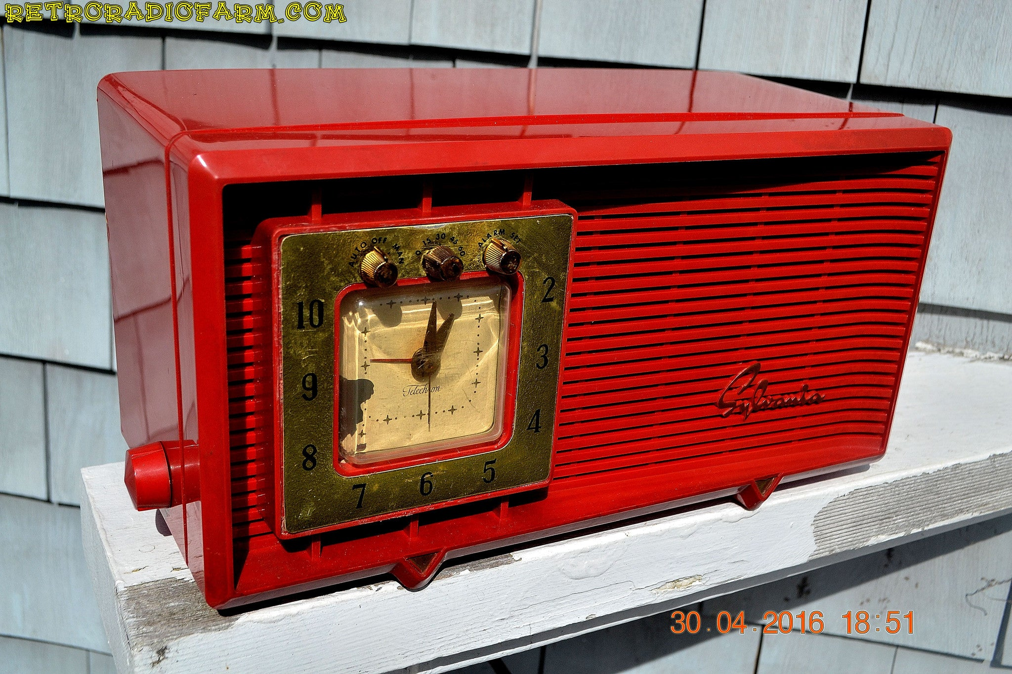 SOLD! - Dec. 14, 2017 - CARDINAL RED Retro Space Age 1955 Sylvania R5484-5768 Tube AM Clock Alarm Radio Almost Pristine! - [product_type} - Sylvania - Retro Radio Farm