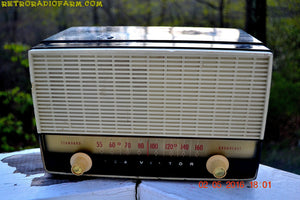 BLUETOOTH MP3 READY - Black and White Retro Jetsons Vintage 1954 RCA Victor Model X212 AM Tube Radio Works Great! , Vintage Radio - RCA Victor, Retro Radio Farm  - 3
