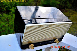 BLUETOOTH MP3 READY - Black and White Retro Jetsons Vintage 1954 RCA Victor Model X212 AM Tube Radio Works Great! , Vintage Radio - RCA Victor, Retro Radio Farm  - 4
