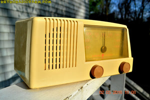 BLUETOOTH MP3 READY - Antique Ivory Mid Century Retro Vintage 1950 General Electric Model 414 AM Tube Radio Totally Restored! , Vintage Radio - General Electric, Retro Radio Farm  - 4