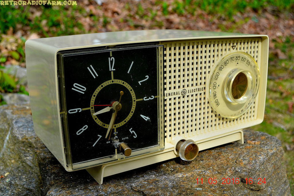 SOLD! - May 25, 2016 - BLUETOOTH MP3 READY - Ivory Beige Mid Century Jetsons 1959 General Electric Model C-435A Tube AM Clock Radio Totally Restored! , Vintage Radio - General Electric, Retro Radio Farm  - 1