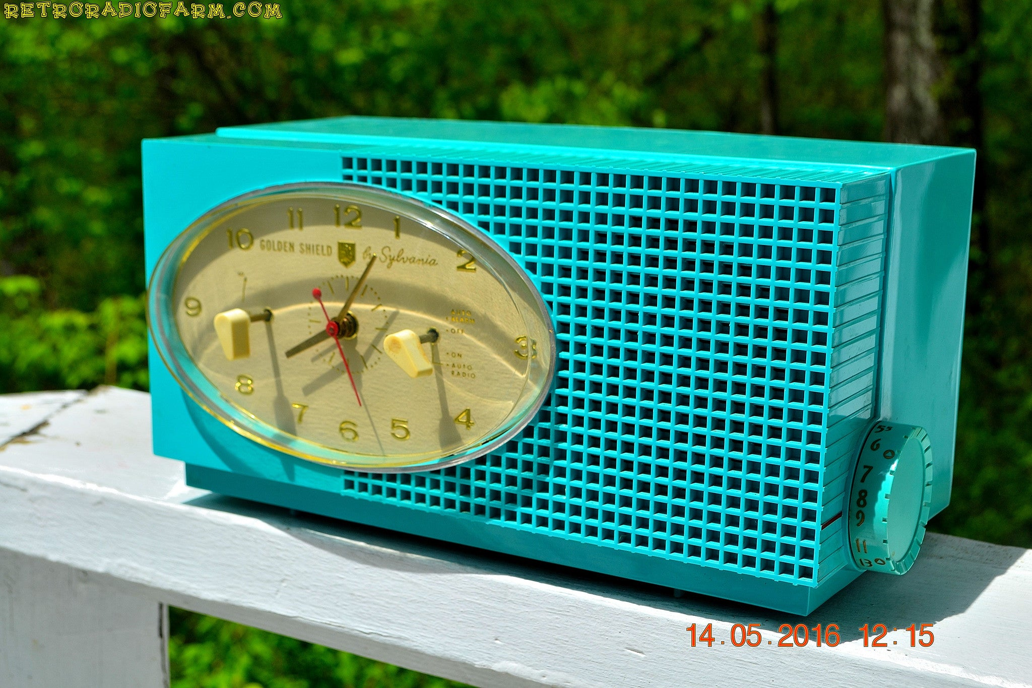 SOLD! - May 24, 2016 - BLUETOOTH MP3 READY - Turquoise Mid Century Retro Jetsons 1956 Sylvania Model 6006 Tube AM Clock Radio Totally Restored! , Vintage Radio - Sylvania, Retro Radio Farm  - 1