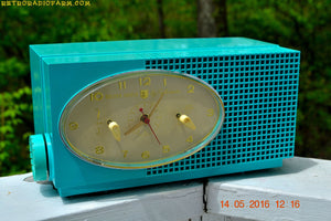 SOLD! - May 24, 2016 - BLUETOOTH MP3 READY - Turquoise Mid Century Retro Jetsons 1956 Sylvania Model 6006 Tube AM Clock Radio Totally Restored! , Vintage Radio - Sylvania, Retro Radio Farm  - 5