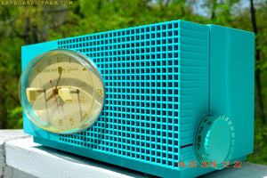 SOLD! - May 24, 2016 - BLUETOOTH MP3 READY - Turquoise Mid Century Retro Jetsons 1956 Sylvania Model 6006 Tube AM Clock Radio Totally Restored! , Vintage Radio - Sylvania, Retro Radio Farm  - 9