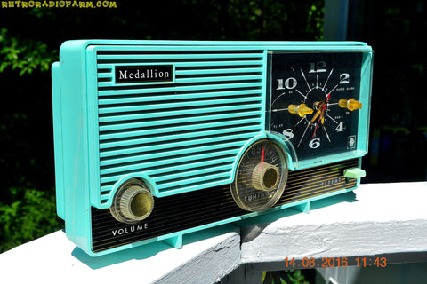 LAGUNA AQUA Mid Century Vintage 1959 Medallion Model 5583 Tube Radio Probably Only One In Existence!