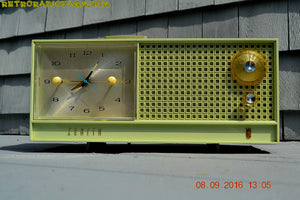 SOLD! - June 15, 2017 - AVOCADO Mid Century Retro Jetsons Vintage 1962 Zenith H519F AM Tube Clock Radio Works Great! - [product_type} - Zenith - Retro Radio Farm