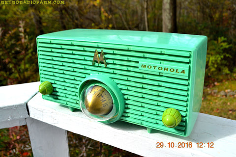 SEA GREEN Mid Century Retro Jetsons 1957 Motorola 57H Turbine Tube AM Radio Works Amazing!