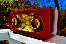 Load image into Gallery viewer, SOLD! - Nov 28, 2016 - MAROON Mid Century Retro Jetsons Vintage 1955 Zenith Model R511-R AM Tube Radio Excellent Condition! - [product_type} - Zenith - Retro Radio Farm
