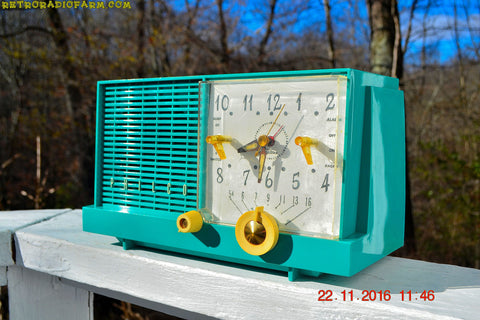 REAL TEAL DEAL Mid-Century Retro Vintage 1959 Philco Model F-752-124 AM Tube Clock Radio Totally Restored!