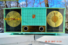STUNNING AQUA BLUE Mid Century Retro Jetsons 1957 Magnavox C5 Tube AM Clock Radio Works Great!