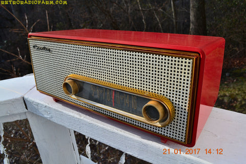 TORCH RED Mid Century Retro Antique Vintage 1959 Crosley Ranchero T-60 RD AM Tube Radio NEAR MINT Quality Construction Sounds Great!