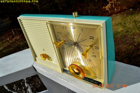 SOLD! - Apr 14, 2108 - TURQUOISE BEAUTY Mid-Century Retro Vintage 1959 Philco Model K-782-124 AM Tube Clock Radio Totally Restored!