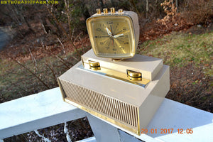 SOLD! - May 21, 2018 - PLAN 9 FROM OUTER SPACE 1960 Philco Predicta Model J775-124 Tube AM Clock Radio Works!