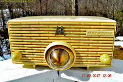 IVORY Mid Century Retro Jetsons 1957 Motorola 57H Turbine Tube AM Radio Works Amazing!