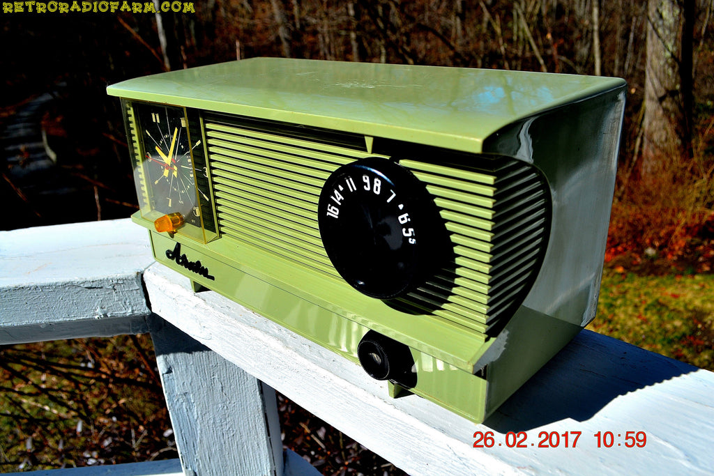 SOLD! - Sept 15, 2017 - OLIVE GREEN Vintage Antique Mid Century 1955 Arvin Model 5571 Tube AM Clock Radio Excellent Condition!