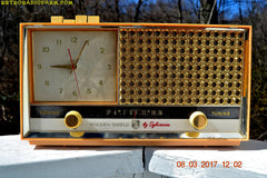 BUFF PINK Retro Space Age 1957 Sylvania Model 1322 Tube AM Clock Radio Sounds Great!