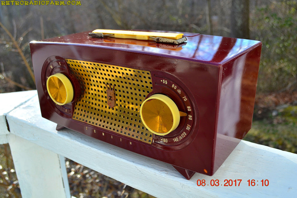 SOLD! - Mar 16, 2017 - MAROON Mid Century Retro Jetsons Vintage 1955 Zenith Model R511-R AM Tube Radio Excellent Condition!