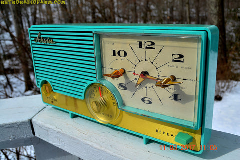 SOLD! - Mar 23, 2017 - AQUAMARINE Mid Century Retro Vintage 1959 Arvin Model 5583 AM Tube Clock Radio Rare!