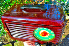 Load image into Gallery viewer, SOLD! - June 6, 2014 - BEAUTIFUL Retro Vintage 1950 Emerson 642A Bakelite AM Tube Radio WORKS! , Vintage Radio - Emerson, Retro Radio Farm  - 8