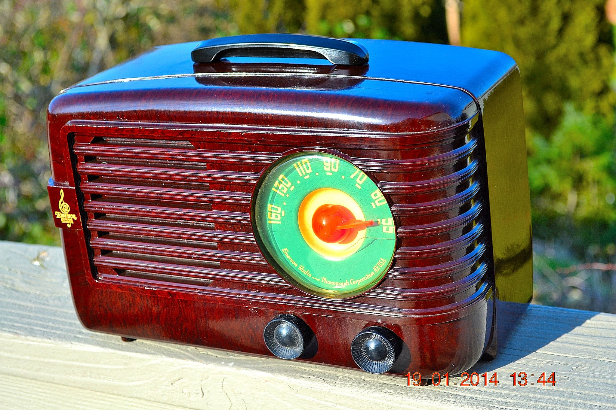 SOLD! - June 6, 2014 - BEAUTIFUL Retro Vintage 1950 Emerson 642A Bakelite AM Tube Radio WORKS! , Vintage Radio - Emerson, Retro Radio Farm  - 1