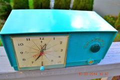 SOLD! - April 8, 2014 - TURQUOISE Atomic Retro Vintage 1956 RCA Victor 6-C-5 Tube AM Clock Radio WORKS! , Vintage Radio - RCA Victor, Retro Radio Farm  - 1