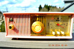 SOLD! - June 3, 2014 - BEAUTIFUL POWDER PINK Retro Jetsons 1957 Motorola 57CC Tube AM Clock Radio WORKS! , Vintage Radio - Motorola, Retro Radio Farm  - 4