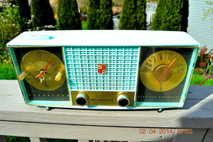 SOLD! - June 28, 2014 - STUNNING AQUA BLUE Retro Jetsons 1957 Magnavox C5 Tube AM Clock Radio WORKS! - [product_type} - Magnavox - Retro Radio Farm