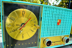 SOLD! - June 28, 2014 - STUNNING AQUA BLUE Retro Jetsons 1957 Magnavox C5 Tube AM Clock Radio WORKS! , Vintage Radio - Magnavox, Retro Radio Farm  - 8