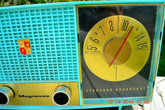 SOLD! - June 28, 2014 - STUNNING AQUA BLUE Retro Jetsons 1957 Magnavox C5 Tube AM Clock Radio WORKS! , Vintage Radio - Magnavox, Retro Radio Farm  - 9
