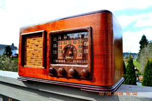SOLD! - June 10, 2014 - BEAUTIFUL Wood Art Deco Retro 1947 Sonora Ret-210 AM Tube Radio Works! , Vintage Radio - Sonora, Retro Radio Farm  - 3