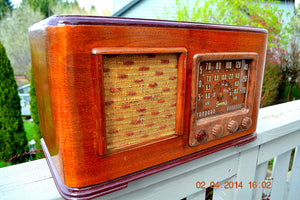 SOLD! - June 10, 2014 - BEAUTIFUL Wood Art Deco Retro 1947 Sonora Ret-210 AM Tube Radio Works! , Vintage Radio - Sonora, Retro Radio Farm  - 4