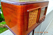 Load image into Gallery viewer, SOLD! - June 10, 2014 - BEAUTIFUL Wood Art Deco Retro 1947 Sonora Ret-210 AM Tube Radio Works! - [product_type} - Sonora - Retro Radio Farm