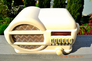 SOLD! - June 2, 2014 - BEAUTIFUL Art Deco 1939 Rabbit Belmont 519 Bakelite AM Tube Radio Works! , Vintage Radio - Belmont, Retro Radio Farm  - 3