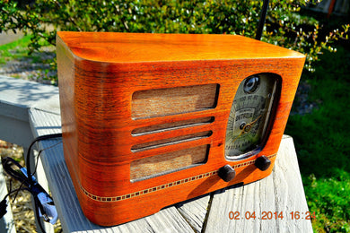 SOLD! - Dec 12, 2014 - BEAUTIFUL Wood Art Deco Retro 1946 Detrola 212 AM Tube Radio Tuning Eye Works! - [product_type} - Detrola - Retro Radio Farm