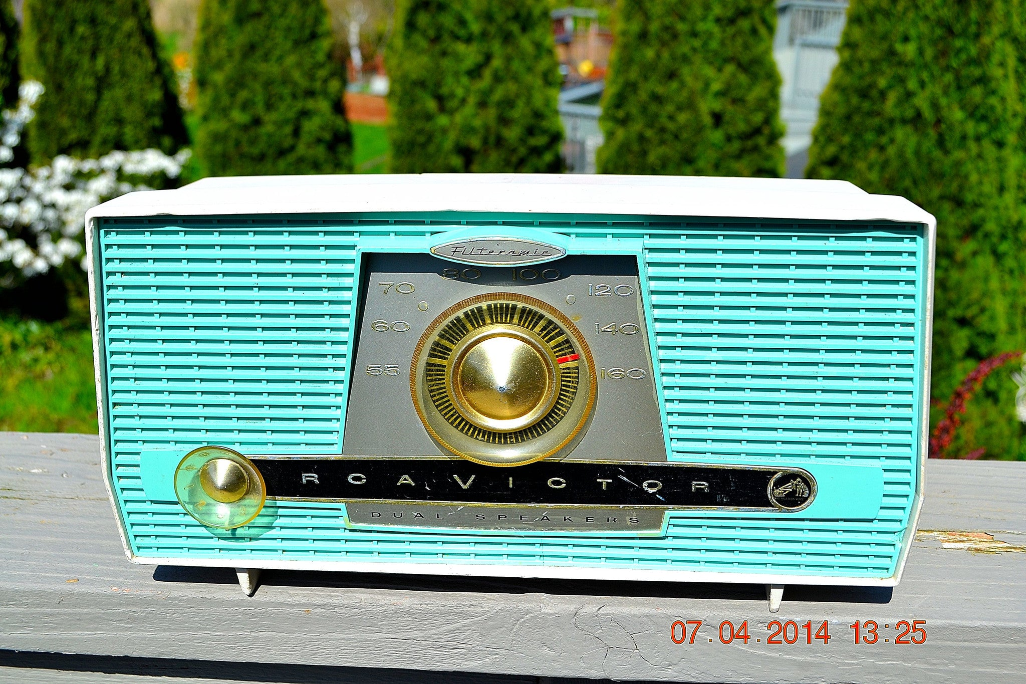 SOLD! - July 11, 2014 - AQUA AND WHITE Atomic Age Vintage 1959 RCA Victor Model X-4HE Tube AM Radio WORKS! - [product_type} - RCA Victor - Retro Radio Farm