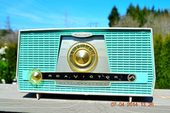 SOLD! - July 11, 2014 - AQUA AND WHITE Atomic Age Vintage 1959 RCA Victor Model X-4HE Tube AM Radio WORKS! , Vintage Radio - RCA Victor, Retro Radio Farm  - 4