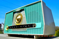 SOLD! - July 11, 2014 - AQUA AND WHITE Atomic Age Vintage 1959 RCA Victor Model X-4HE Tube AM Radio WORKS! , Vintage Radio - RCA Victor, Retro Radio Farm  - 5
