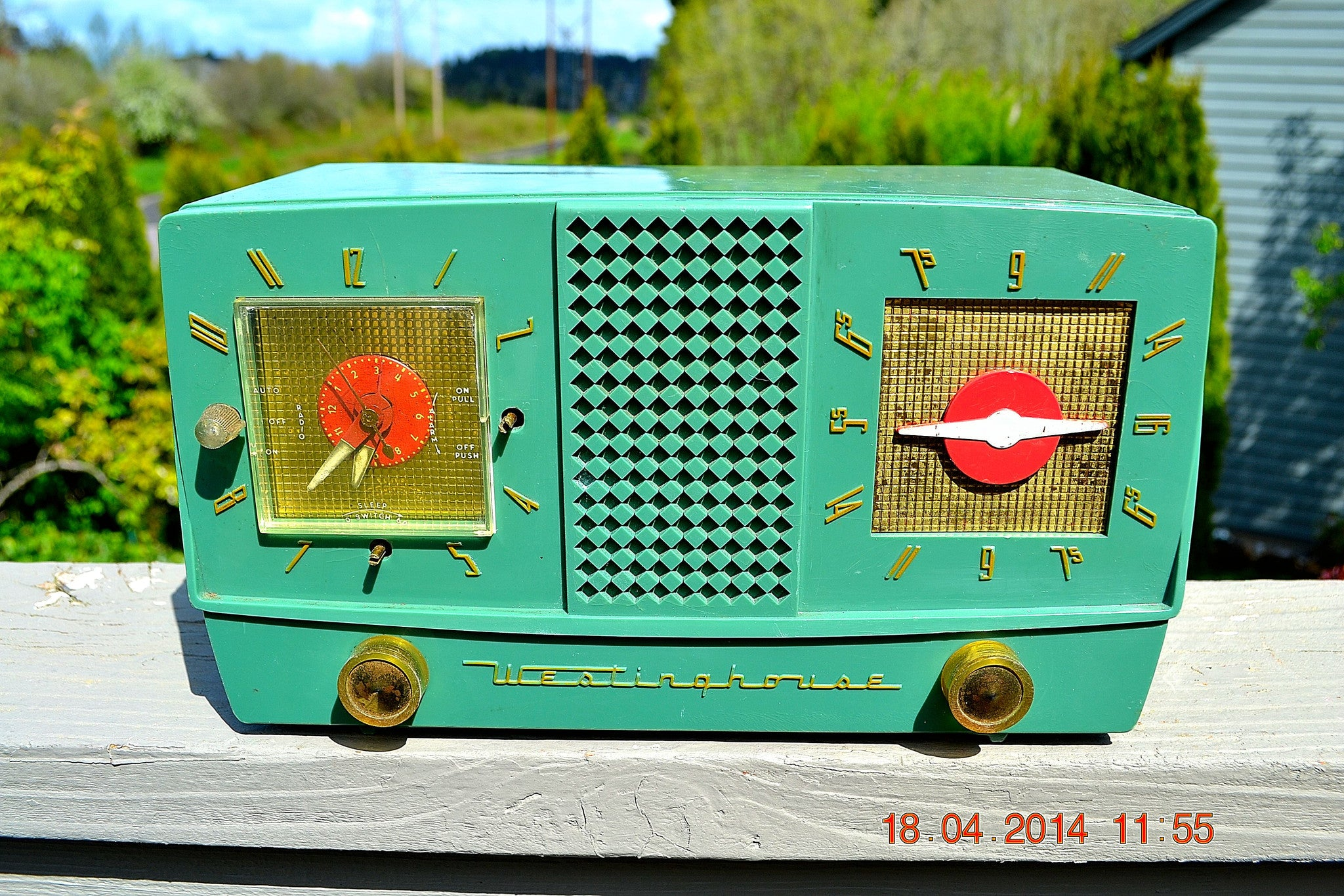 SOLD! - Dec 30, 2014 - GUMBY GREEN Retro Jetsons 1955 Westinghouse H-385T5 Tube AM Clock Radio WORKS! - [product_type} - Westinghouse - Retro Radio Farm