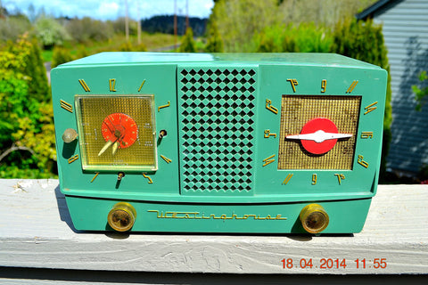 SOLD! - Dec 30, 2014 - GUMBY GREEN Retro Jetsons 1955 Westinghouse H-385T5 Tube AM Clock Radio WORKS!