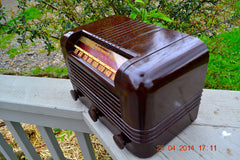 SOLD! - May 25 2014 - BEAUTIFUL PRISTINE Rare Art Deco Retro 1940 RCA Victor 15X AM Tube Radio Works! Wow! , Vintage Radio - RCA Victor, Retro Radio Farm  - 11