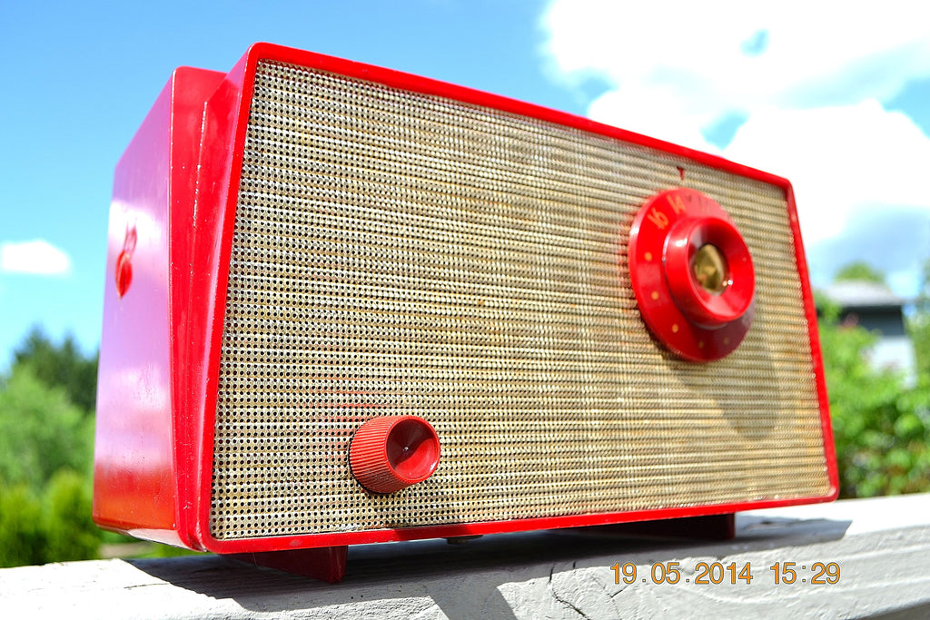 SOLD! - August 22, 2014 - CANDY APPLE RED Retro Vintage 1956 Westinghouse H-500T5A Tube AM Radio WORKS! , Vintage Radio - Westinghouse, Retro Radio Farm  - 1
