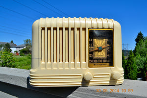 SOLD! - Oct 17, 2014 - BEAUTIFUL Art Deco 1940 Westinghouse WR-176 Plaskon AM Tube Radio Works! , Vintage Radio - Westinghouse, Retro Radio Farm  - 3