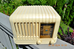 SOLD! - Oct 17, 2014 - BEAUTIFUL Art Deco 1940 Westinghouse WR-176 Plaskon AM Tube Radio Works! , Vintage Radio - Westinghouse, Retro Radio Farm  - 4