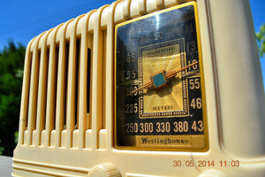 SOLD! - Oct 17, 2014 - BEAUTIFUL Art Deco 1940 Westinghouse WR-176 Plaskon AM Tube Radio Works! , Vintage Radio - Westinghouse, Retro Radio Farm  - 7