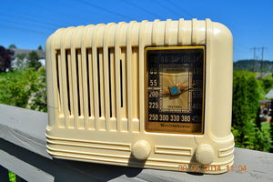 SOLD! - Oct 17, 2014 - BEAUTIFUL Art Deco 1940 Westinghouse WR-176 Plaskon AM Tube Radio Works! , Vintage Radio - Westinghouse, Retro Radio Farm  - 2