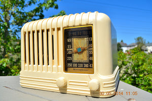 SOLD! - Oct 17, 2014 - BEAUTIFUL Art Deco 1940 Westinghouse WR-176 Plaskon AM Tube Radio Works! , Vintage Radio - Westinghouse, Retro Radio Farm  - 1